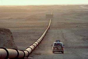 Andrew's parentz driving along the pipeline
